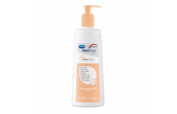 Tělové mléko MoliCare Skin díky kreatinu hydratuje pokožku celého těla