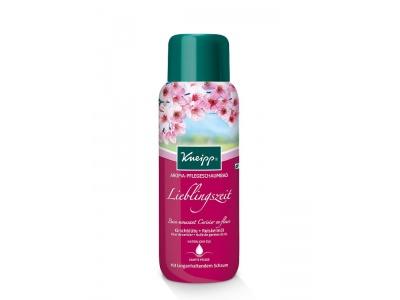 Pěna do koupele Kneipp Třešňový květ romantická vůně s dlouhotrvající pěnou